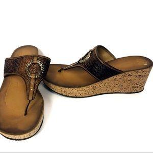Clarks Cork Wedge Platform Flip Flip Sandals 7